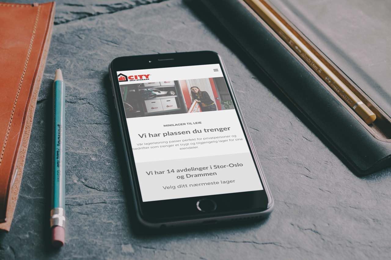 Mobiltelefon som viser cityselfstorage